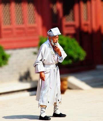 This Chinese Herbalist who lived to be 256 years and his secrets….